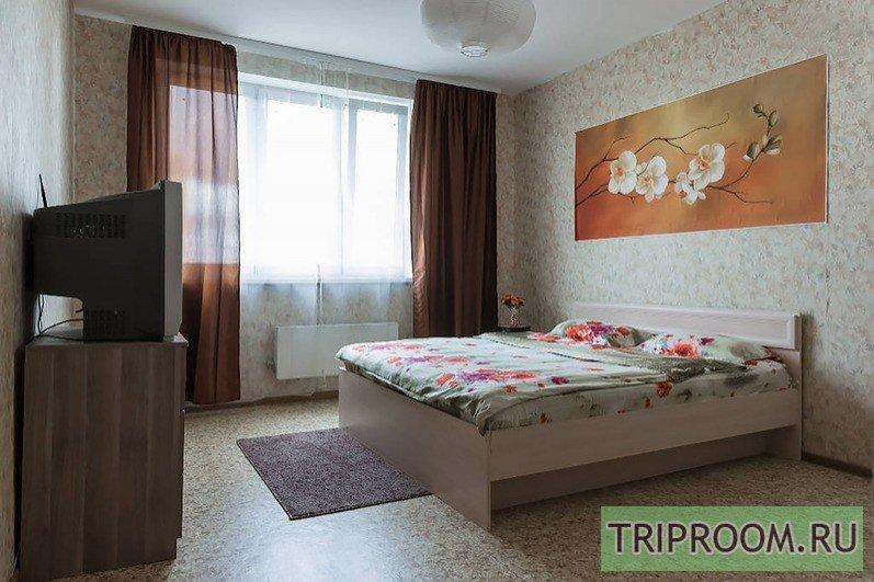 1-комнатная квартира посуточно (вариант № 37173), ул. Генерала Варенникова улица, фото № 1